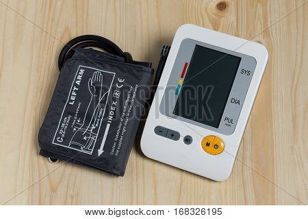 Digital measuring blood pressure is simple for home use.