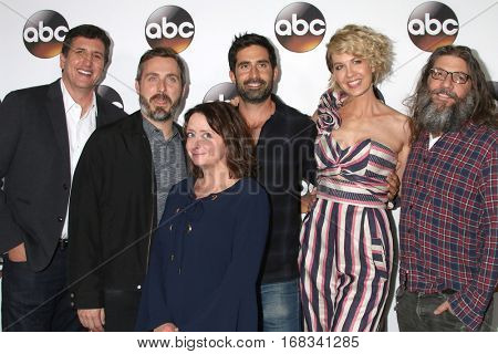 LOS ANGELES - JAN 10:  Doug Robinson, Patrick Osborne, Rachel Dratch, Stephen Schneider, Jenna Elfman, David Guarascio at the ABC TCA Party at Langham Hotel on January 10, 2017 in Pasadena, CA