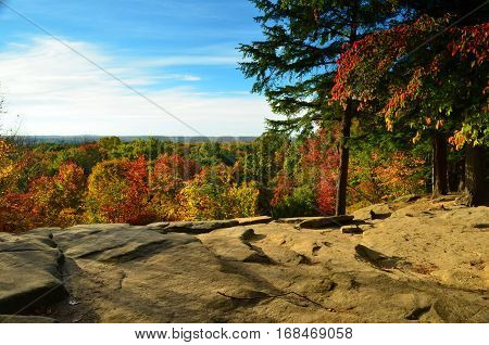 Ledges Overlook view of foliage in Autumn