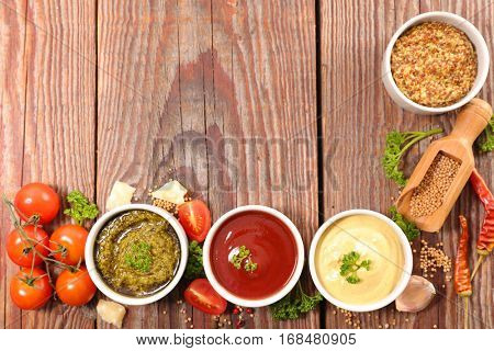 assorted sauce and dip