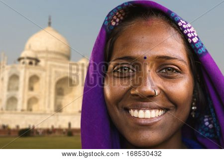 Indian woman smiling in Agra, India