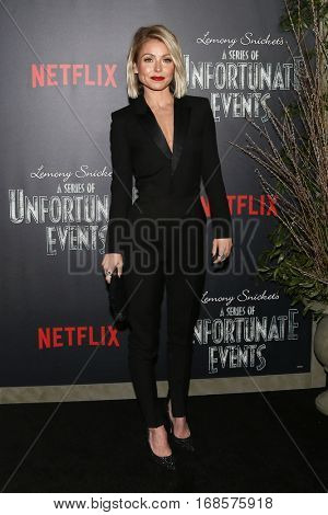 NEW YORK-JAN 11: Kelly Ripa attends the world premiere screening of NETFLIX's Lemony Snicket's