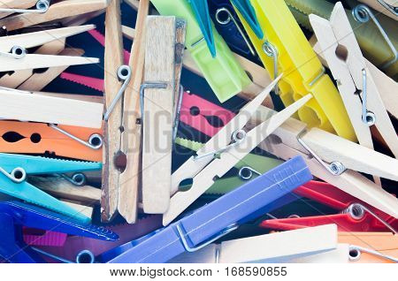 Composition with tweezers of different material colors and sizes