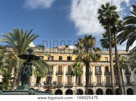 Barcelona (Catalunya Spain): Plaza Real (Placa Reial Royal Square) near the ramblas