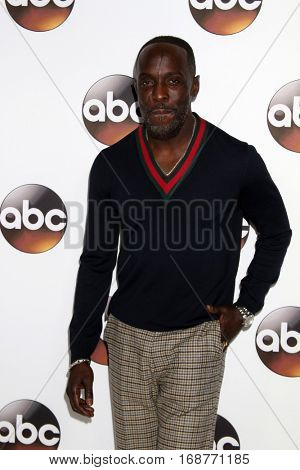 LOS ANGELES - JAN 10:  Michael Kenneth Williams at the Disney/ABC TV TCA Winter 2017 Party at Langham Hotel on January 10, 2017 in Pasadena, CA