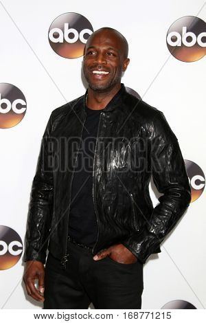 LOS ANGELES - JAN 10:  Billy Brown at the Disney/ABC TV TCA Winter 2017 Party at Langham Hotel on January 10, 2017 in Pasadena, CA