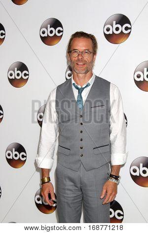 LOS ANGELES - JAN 10:  Guy Pearce at the Disney/ABC TV TCA Winter 2017 Party at Langham Hotel on January 10, 2017 in Pasadena, CA