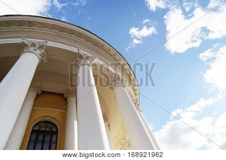 Design of building in neoclassical style