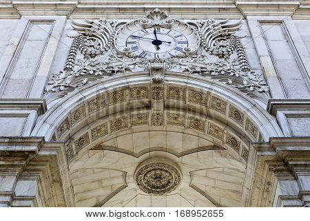 Detail of the north facade of the Rua Augusta Triumphal Arch with its clock face