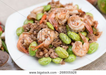Spicy Stir-fried Shrimp With Bitter Or Twisted Cluster Or Stink Bean (bitter Bean) And Shrimp Paste,