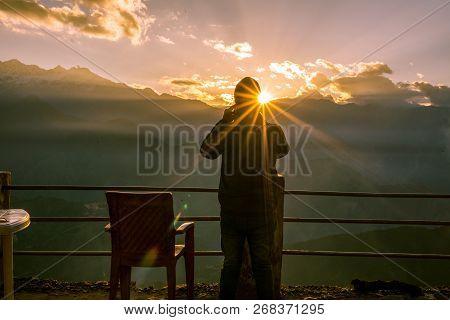 Capturing The Sunrise On Mobile In Himalayas Khaliya Top, Munsiyari - Uttarakhand -
