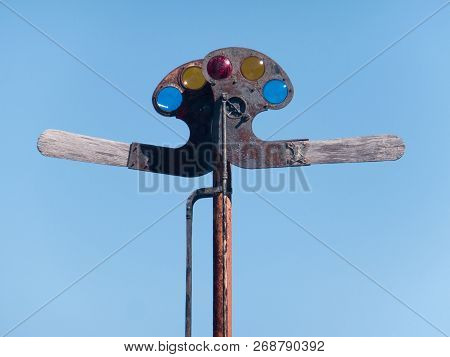 Antique Wood And Metal Railroad Signaling Device (semaphore), With Multi Colored Lenses And Mechanic