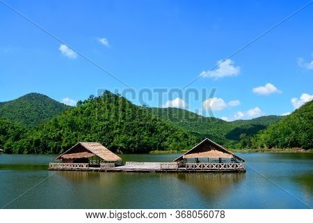 Ang Kep Nam Khao Wong Have Old Traditional House In The Lake Of Khao Wong, Suphan Buri Province,thai