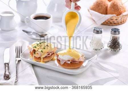 Breakfast.best  Eggs Benedict - Fried English Bun, Ham, Poached Eggs, Watering Hollandaise Butter Sa