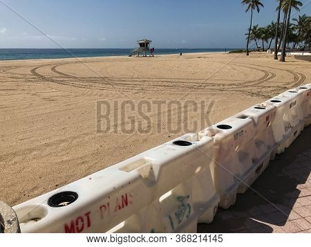 Fort Lauderdale, Fl / Usa - May 21: Barriers Block Access To A Public Beach In Fort Lauderdale, As T