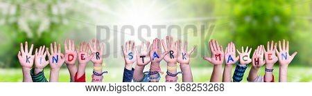 Children Hands, Kinder Stark Machen Means Strengthen Children, Grass Meadow