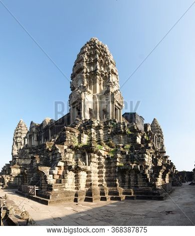 Central Shrine Of Angkor Wat's Ancient Hindu Temple, A Popular Travel Destination In Siem Reap, Camb