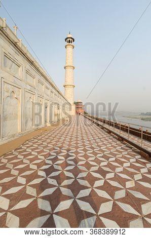 Agra, India - 5 May 2015: The Newly Restored Taj Mahal Mausoleum Displays Renovated Minarets In Whit
