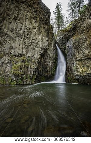 The Scenic Hawk Creek Falls. The Beautiful Hawk Creek Falls Northwest Of Davenport Washington Near T