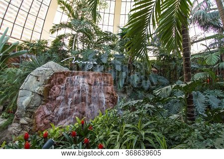 Las Vegas, Nevada, Usa - February 20, 2020: Interior Of The Famous Mirage Atrium With The Mirage Cas