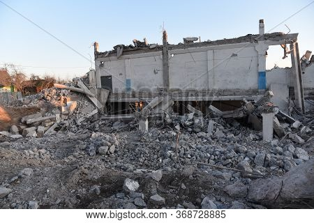 View Of The Demolition Of A Multi-storey Building. Dismantling And Demolition Of Buildings And Struc