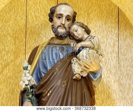 Saint Joseph And Baby Jesus Of The Catholic Church, Husband Of The Virgin Mary, Father Of Jesus - Sa