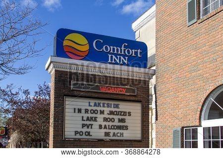 Mackinaw City, Michigan, Usa - May 30, 2020: Comfort Inn Hotel In Mackinaw City, Michigan With Vacan