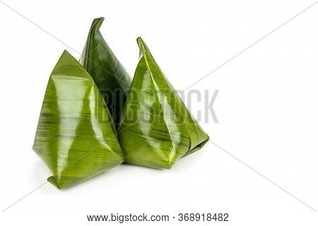 Kueh Kochi Or Koci Is  Asian Dumpling Made From Glutinous Rice Flour, And Stuffed With Coconut Filli