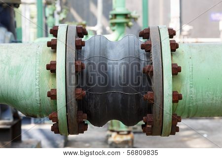 Fluxible Tube Connection In Petrochemical Plant