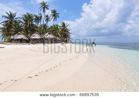 Perfect Unspoiled Caribbean Island With Native Huts, San Blas. Panama. Central America.