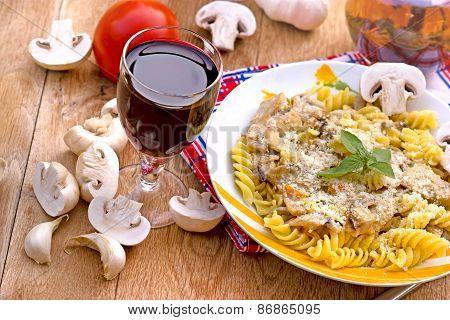 Funghi-fungi pasta