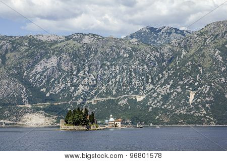 Church Island Gospa Od Shkrpela In Kotor Bay