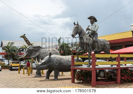 Huge Sculptures For Tourists At Rodo Master