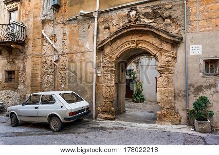 Sciacca, Italy - October 18, 2009: Gate Of The Old City In Sciacca, Italy