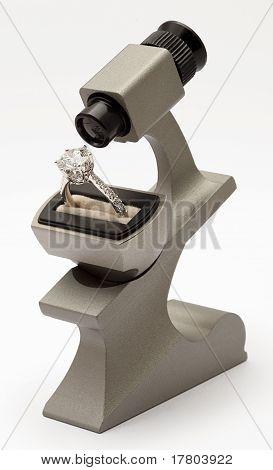 diamond magnifying