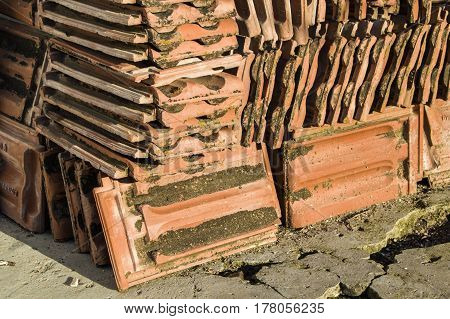 Roof tile, red tiled roof tile pictures