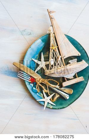 Summer Vacation Table Setting