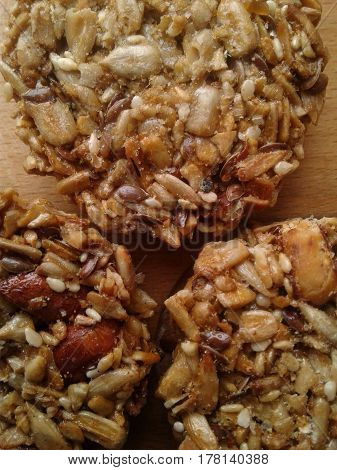 Kozinaki - Georgian sweetness, made from walnuts and honey Kozinaki is a high-calorie product that is full of vitamins and minerals. People around the world love and revere this sweetness The structure of modern kozinaki added dried fruits, cereals and se