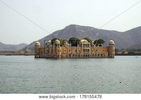 JAIPUR, INDIA - FEBRUARY 16: The palace Jal Mahal. Jal Mahal (Water Palace) was built during the 18th century in the middle of Man Sager Lake. Jaipur, Rajasthan, India, on February, 16, 2016.
