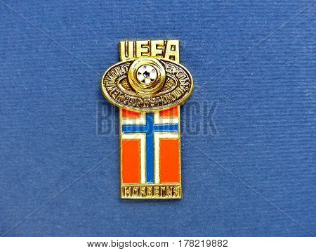 USSR - CIRCA 1984: Badge with the image ball and flag Norway, the inscription