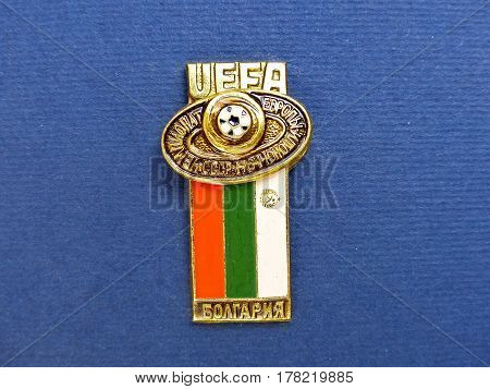 USSR - CIRCA 1984: Badge with the image ball and flag Bulgaria, the inscription