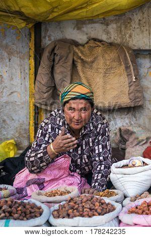 Leh,ladakh, India-may 05: Market Woman Beside Street Selling Vegetable And Food In Leh Ladakh, India