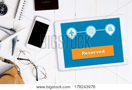 The travel reservation is reserved online wiht table