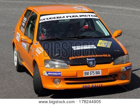 Torriglia Italy - June 06 2015-31 Rally Lantern: The Peugeot 106 Rally n. 106 conducted in the race crew Lanza-Zambelli during the first test speed 'of the race.