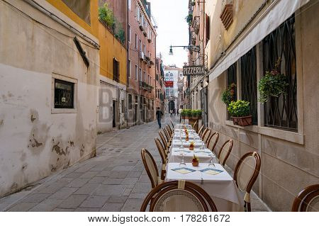 Al Fresco Dining Setting In Venice
