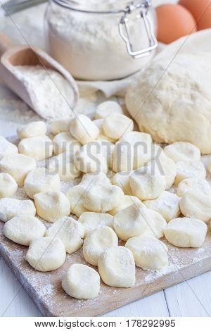 Making traditional russian ukrainian cottage cheese