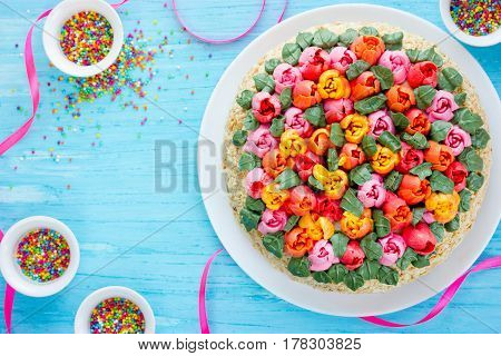Tulip buttercream cake - Spring cake Easter cake decorated with edible tulip flowers