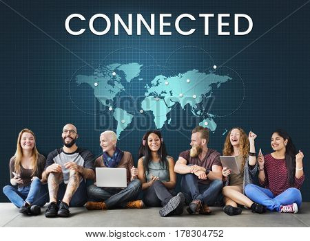 People connected to global communication online community