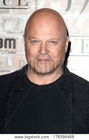 LOS ANGELES - MAR 16:  Michael Chiklis at the TAO, Beauty & Essex, Avenue and Luchini Grand Opening at the Selma Avennue on March 16, 2017 in Los Angeles, CA