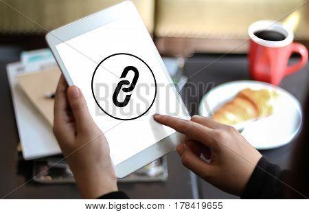 Backlinks Technology Online Web Backlinks Technology Online Web Businessman